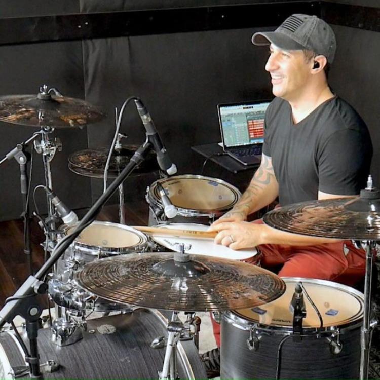 Ivan Gamba batterista